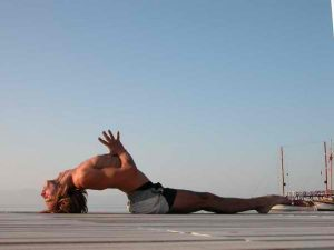 Check out afrikanblues.com blog and learn how to correctly perform Fish pose.